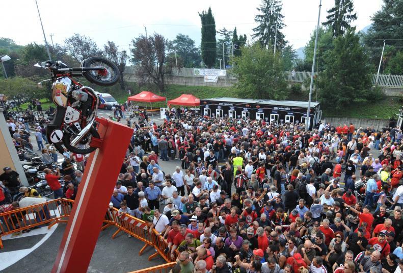 Giornate_Mondiali Moto Guzzi-a.jpg