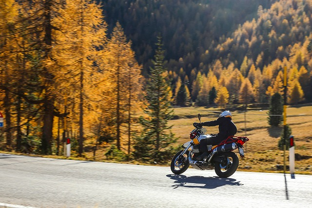 s-46 Moto Guzzi V85 TT.jpg